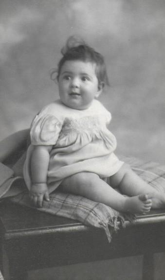 Anne Baby 2.jpg